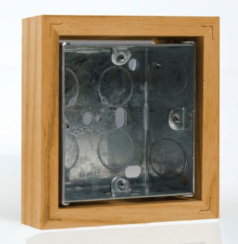 Varilight XKBOXSO Kilnwood Oak Surface Mounted Pattress Box Single 25mm